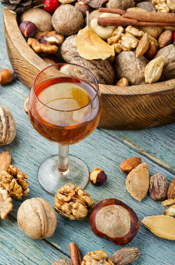 Autumn nutty liquor