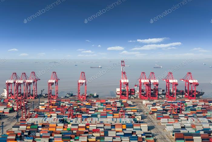 ocean container terminal