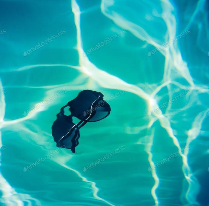 Schwimmbad-Sonnenbrille