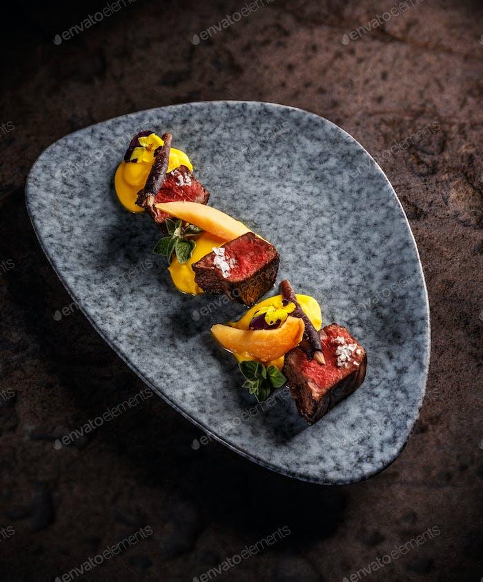 Hirschfilet mit Süßkartoffelpüree