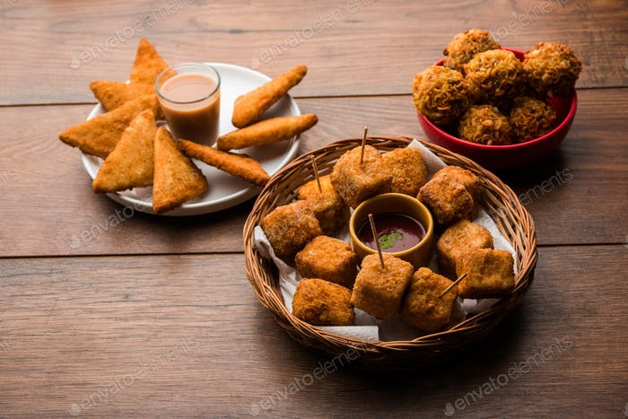 Crispy potato Triangles, Paneer Lollipop and Noodles pakoda