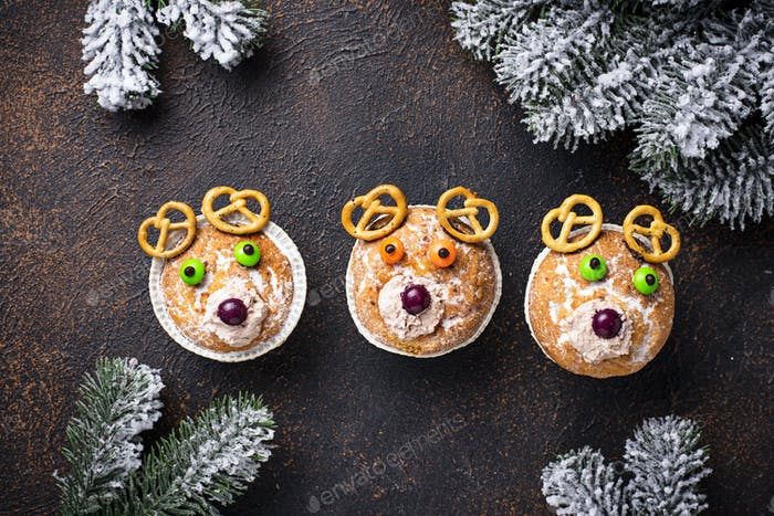 Christmas cupcake in shape of deer or bear