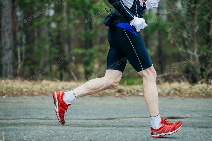 Nahaufnahme der Füße Läufer Männer