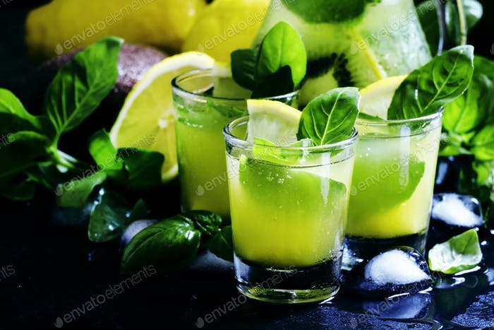 Lemonade with kiwi, green basil, grapefruit syrup and ice