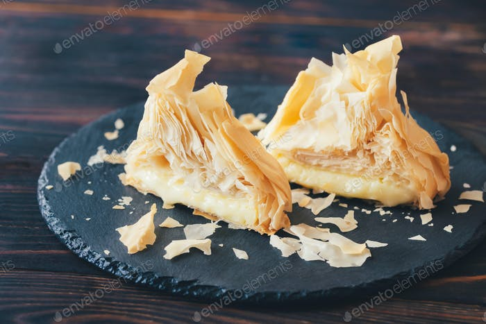 Baked Camembert in phyllo pastry