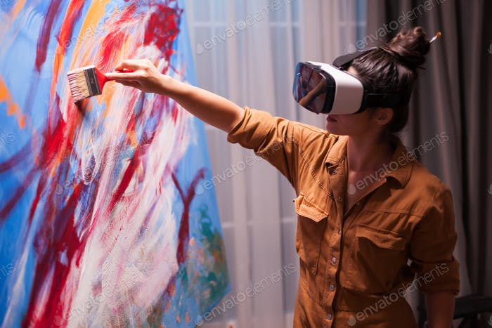 Creative painter with vr headset