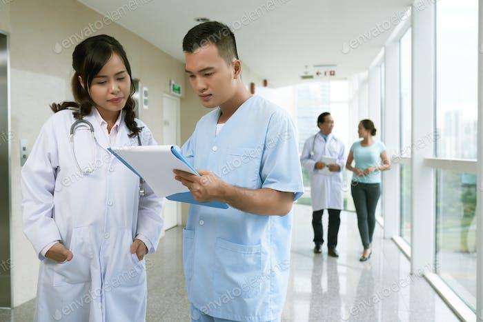 Discussing medical case