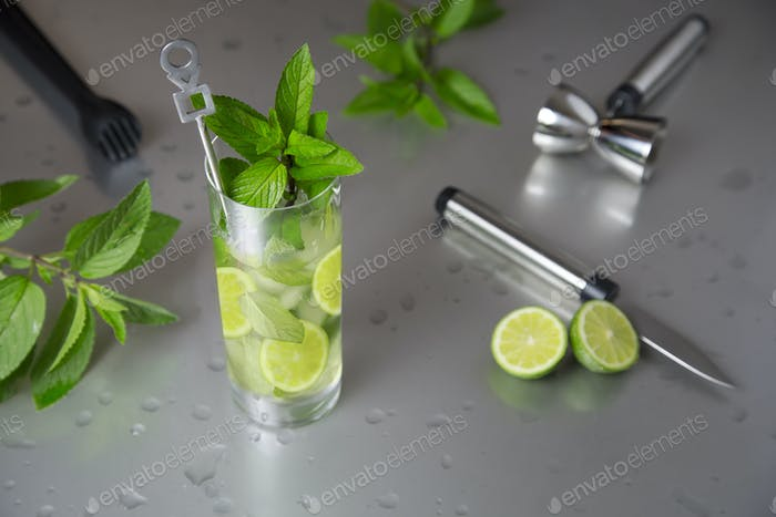 cold mojito cocktail