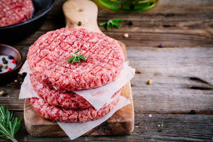 Rohes Hackfleisch Fleisch Burgersteak Schnitzel