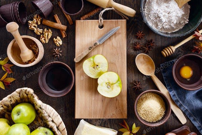 Zutaten für den traditionellen Apfelkuchen