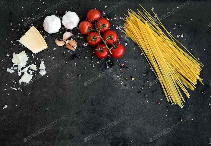 Food frame. Pasta ingredients