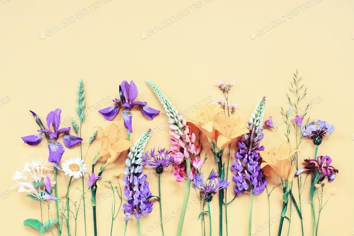 Pastell-florale Komposition