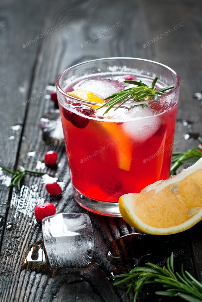 Ice cranberry drink