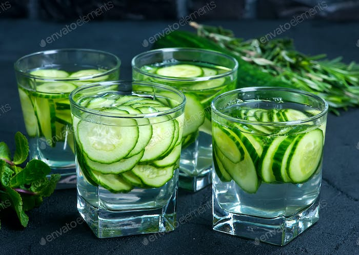 drink with cucumber