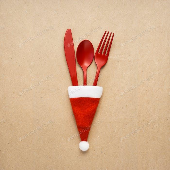 Christmas tableware.