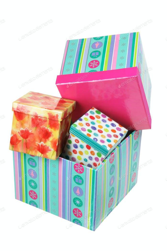 Stapel von Geschenkboxen