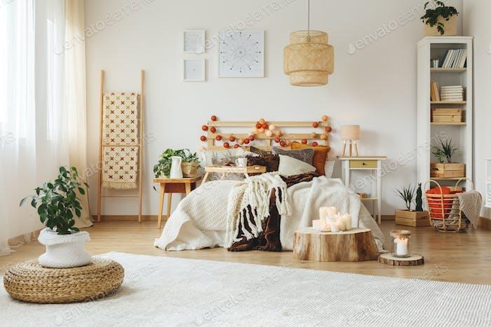 Bedroom with big white carpet