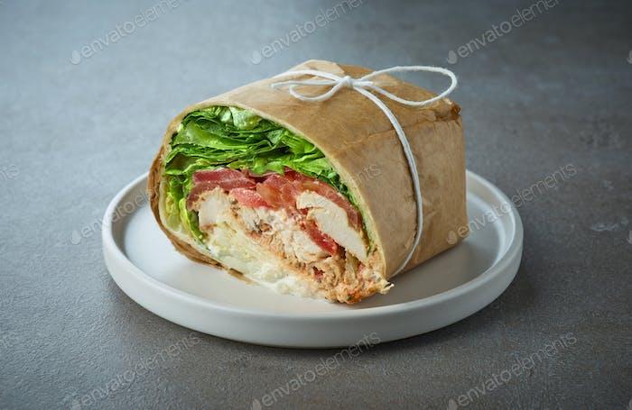Hähnchenwickel-Sandwich