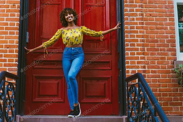 Hübsches afrikanisch-amerikanisches Mädchen in New York