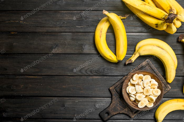 Whole bananas and banana slices