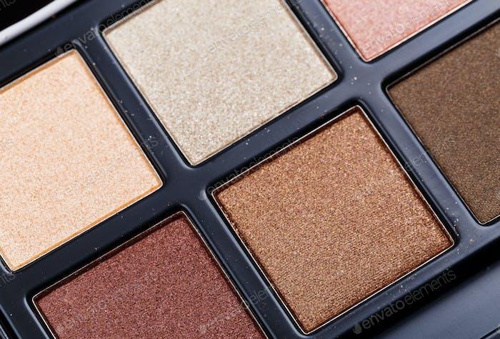 Bunte Palette von Kosmetika