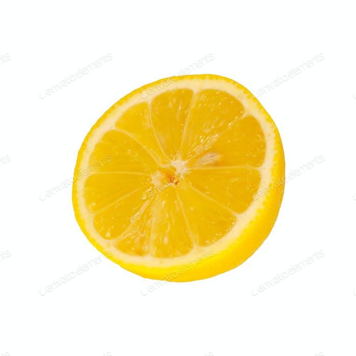 Die Hälfte der Zitrone auf weißem Hintergrund