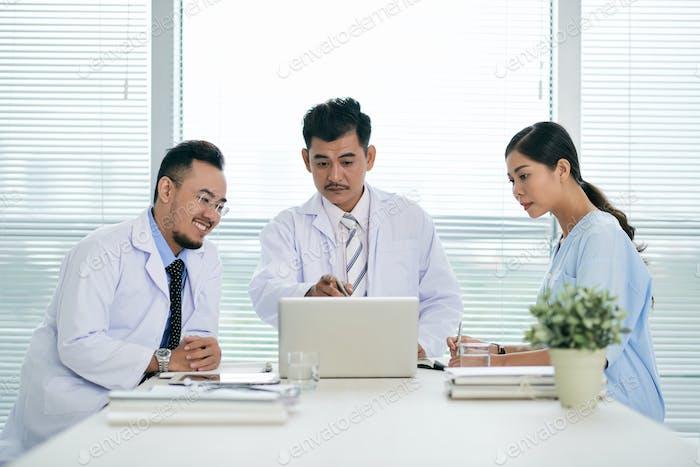 Sitzung des medizinischen Personals