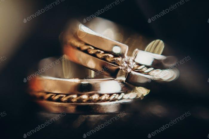 Hochzeit goldene Ringe mit Diamant