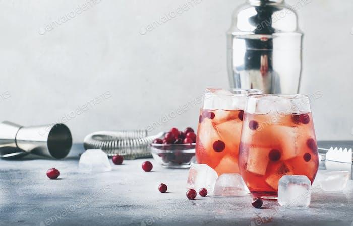 Cranberry cocktail cape kodder