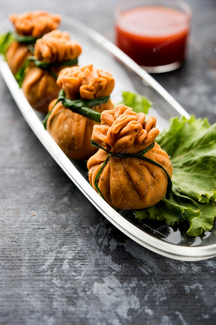 Indian Snacks Crispy Potli Samosa, veg money bags