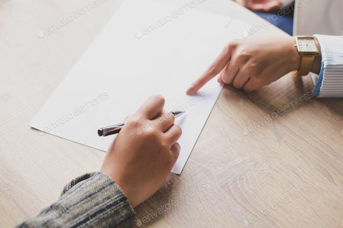 Unterzeichnung von Geschäftsverträgen