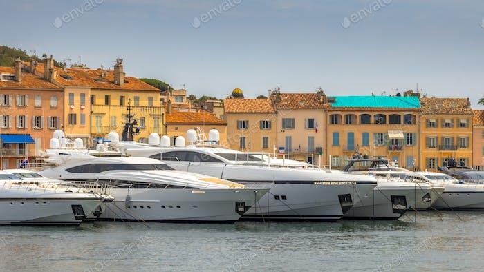 Luxusyachten Marina