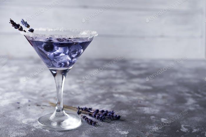 Martini mit Beeren