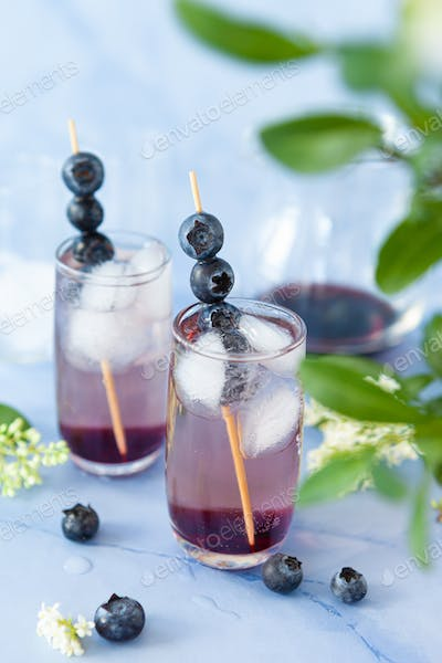 Drink with blueberries