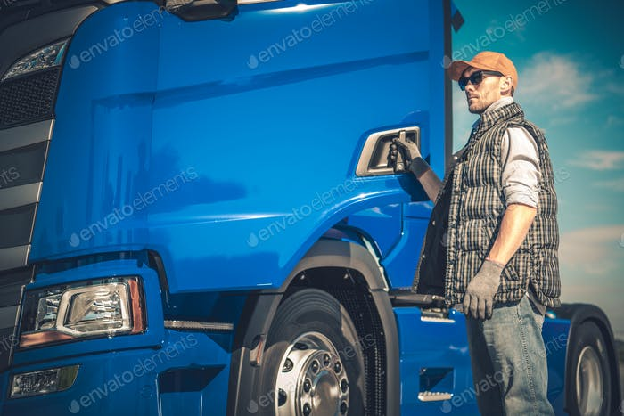 Semi Truck Cargo Transport