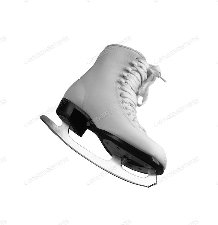 Weiße Schlittschuhe für Eiskunstlauf auf Eis