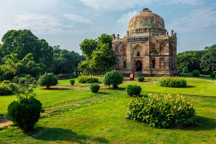 Sheesh Gumbad Grab in Lodi Gardens Stadtpark in Delhi, Indien
