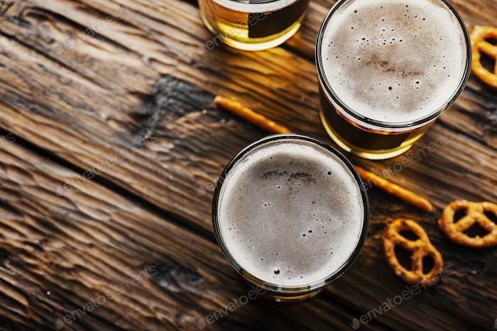 Verres de bière blonde