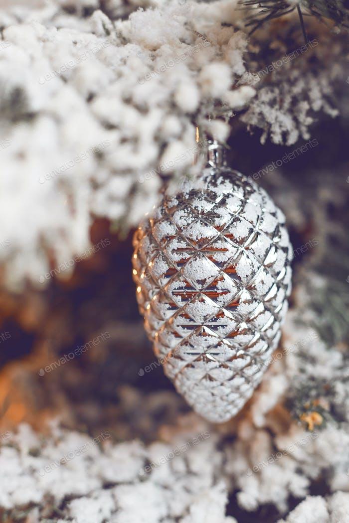 Closeup von Weihnachtsbaum-Dekoration Detail