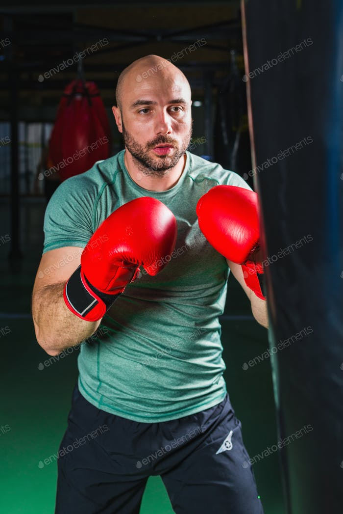 Man boxing