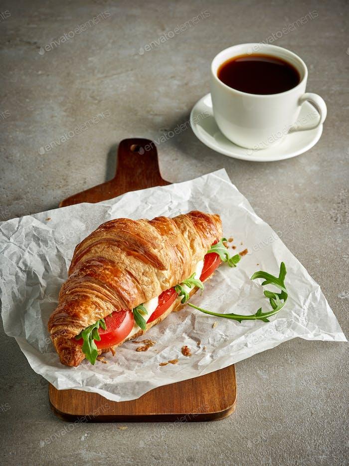 Croissant with tomato and mozzarella