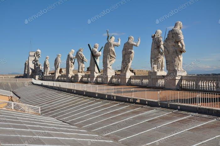 Statuen der Apostel. Petersdom, Vatikan