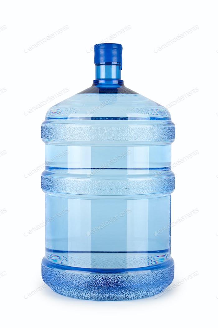 Eine große Flasche reines Wasser auf weißem Hintergrund