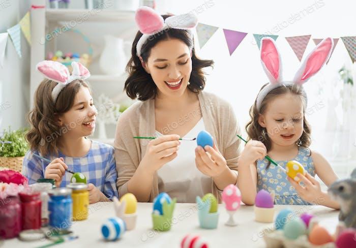 Familie Vorbereitung für Ostern