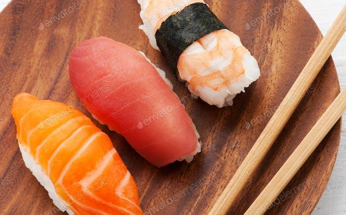Three assorted Nighiri sushi