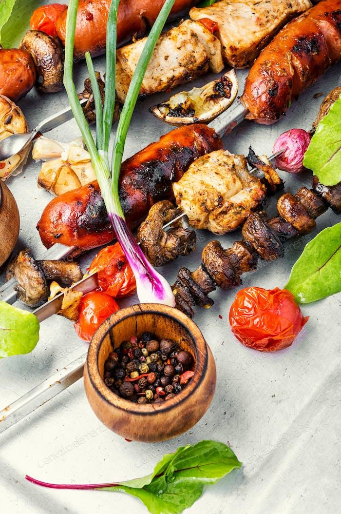 Shish kebab con champiñones