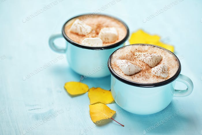 Autumn hot cocoa cups