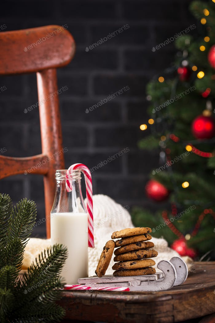 Cookies with chocolate and milk