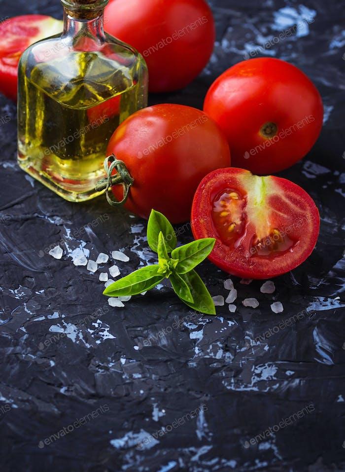 Ripe tomato, basil and olive oil