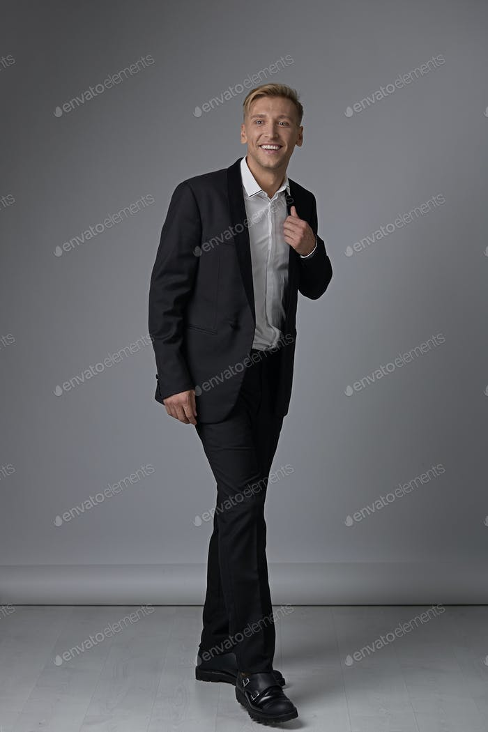 Portrait full length man in formal wear